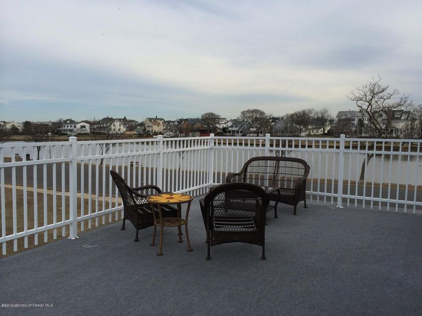 Additional photo for property listing at 302 Bradley Boulevard  Bradley Beach, New Jersey 07720 États-Unis
