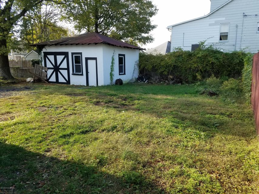 Additional photo for property listing at 27 Oakwood Place  Keansburg, Nueva Jersey 07734 Estados Unidos