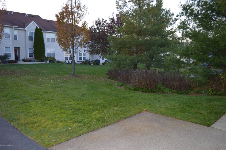 Additional photo for property listing at 446 Deuce Drive  Wall, New Jersey 07719 États-Unis