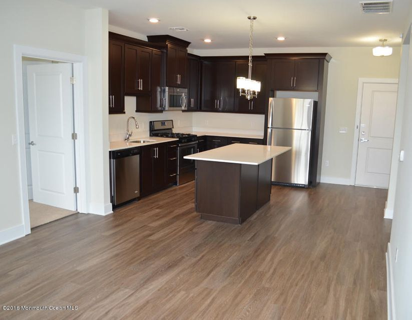 Additional photo for property listing at 145 Monmouth Street  Red Bank, Nueva Jersey 07701 Estados Unidos
