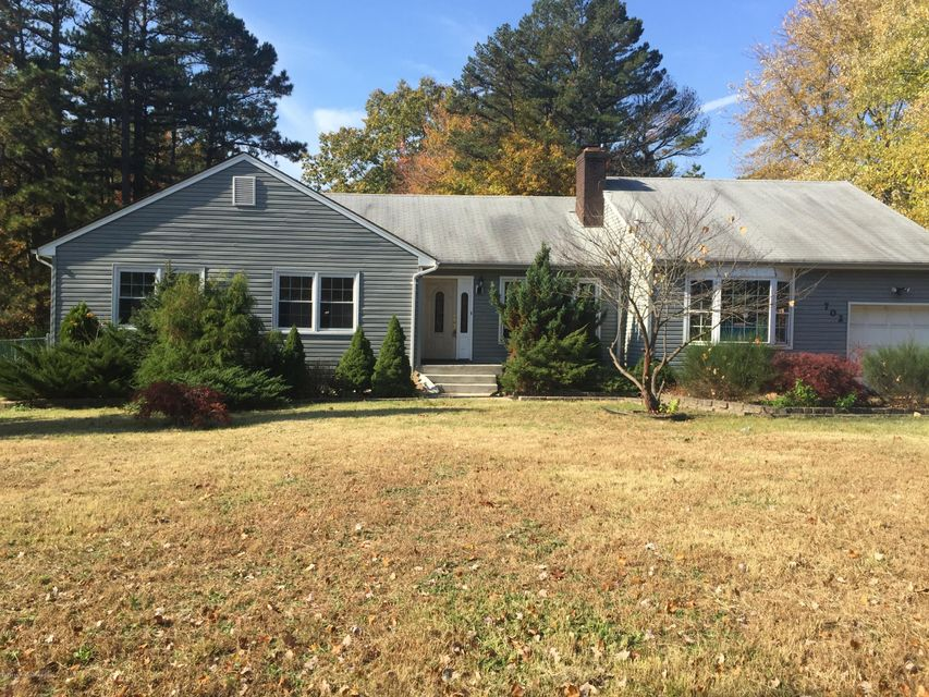 Single Family Home for Rent at 702 Cassville Road Jackson, 08527 United States