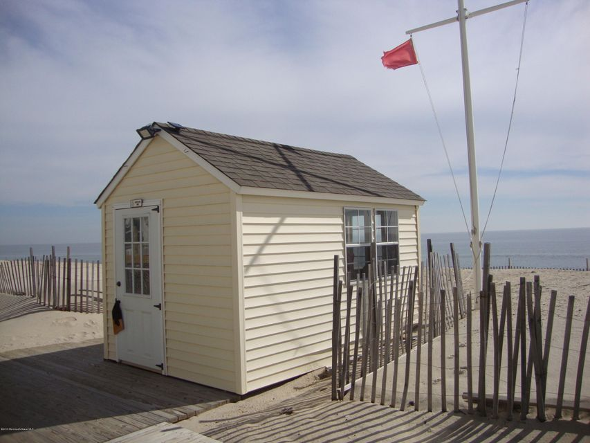Additional photo for property listing at 77 Beach Way  Lavallette, New Jersey 08735 États-Unis