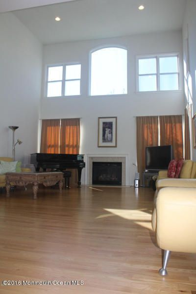 Additional photo for property listing at 24 Brittany Court  大西洋高地, 新泽西州 07716 美国