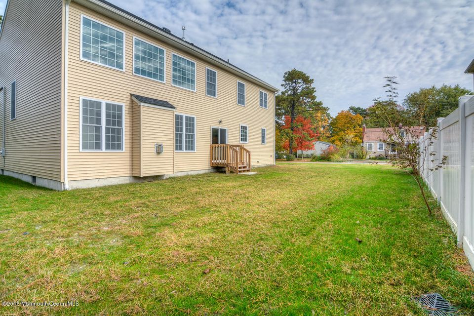 Additional photo for property listing at 1233 11th Avenue 1233 11th Avenue Toms River, Nueva Jersey 08757 Estados Unidos