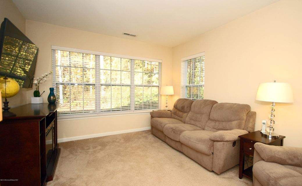 Additional photo for property listing at 1111 Morning Glory Drive  Monroe, Nueva Jersey 08831 Estados Unidos