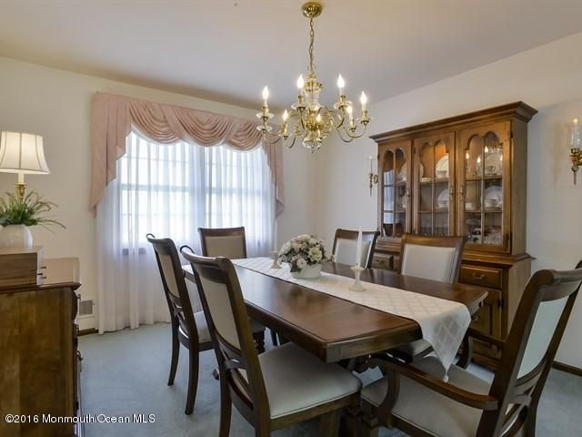 Additional photo for property listing at 9 Templer Way  黑兹利特, 新泽西州 07730 美国