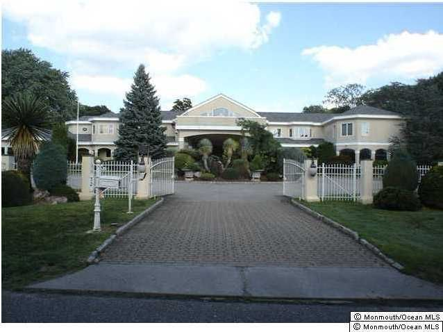 Maison unifamiliale pour l Vente à 32 Brookwillow Avenue West Long Branch, New Jersey 07764 États-Unis