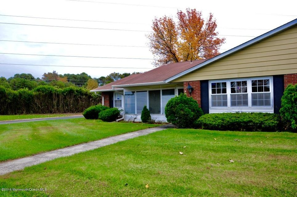 Additional photo for property listing at 344a Canterbury Court  Lakewood, New Jersey 08701 United States