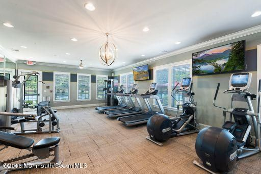 Additional photo for property listing at 6 Langton Drive  Holmdel, New Jersey 07733 États-Unis