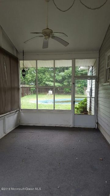 Additional photo for property listing at 528 Corwill Terrace  Toms River, New Jersey 08753 United States