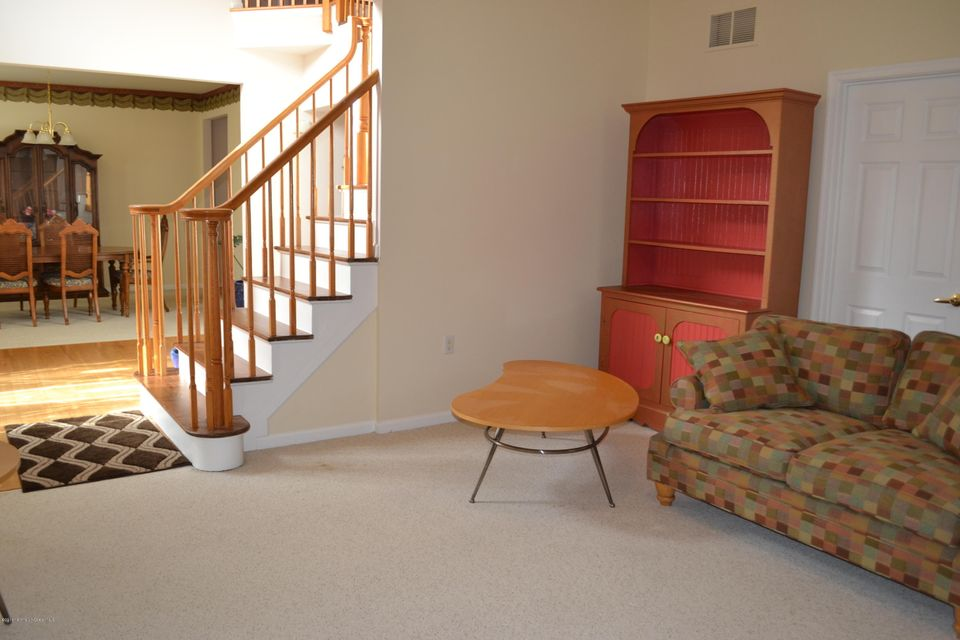 Additional photo for property listing at 9 Summerhill Avenue  Jackson, New Jersey 08527 États-Unis