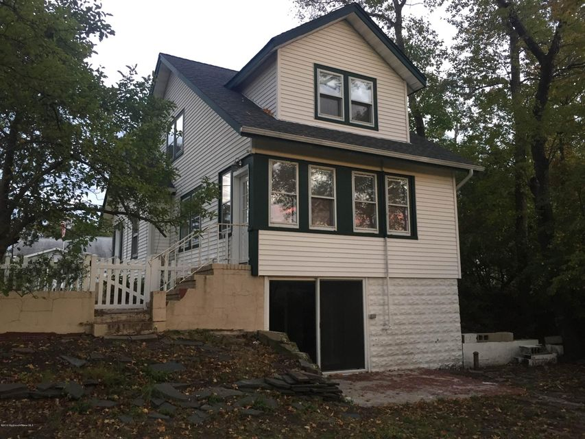 Additional photo for property listing at 848 Ridge Road  Cliffwood Beach, New Jersey 07735 États-Unis