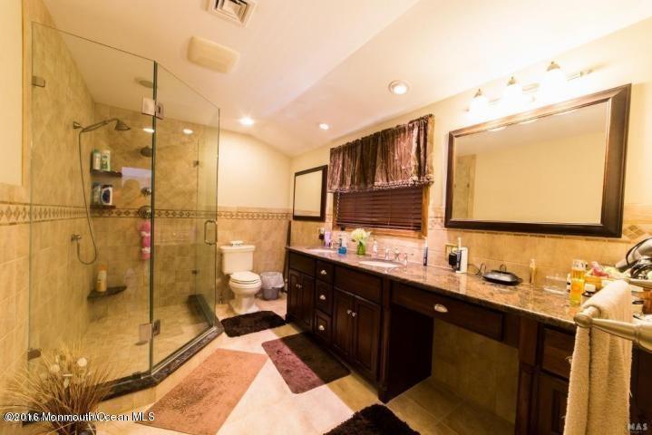 Additional photo for property listing at 295 Cranberry Road  Farmingdale, Nueva Jersey 07727 Estados Unidos
