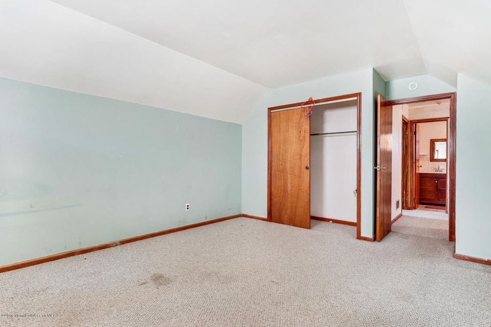 Additional photo for property listing at 401 Port Monmouth Road  North Middletown, New Jersey 07748 United States