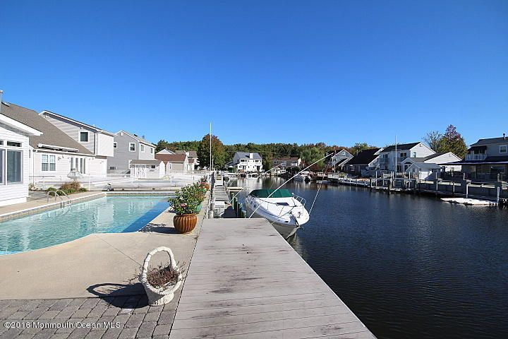 Additional photo for property listing at 61 Storm Jib Court  Bayville, New Jersey 08721 États-Unis