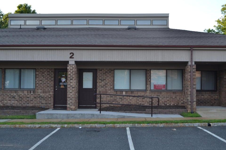 Commercial pour l Vente à 202 Candlewood Commons Howell, New Jersey 07731 États-Unis