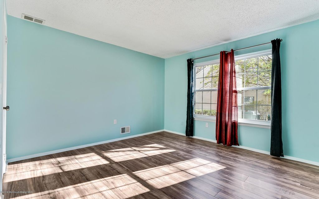 Additional photo for property listing at 143 Aster Court  Jackson, Nueva Jersey 08527 Estados Unidos
