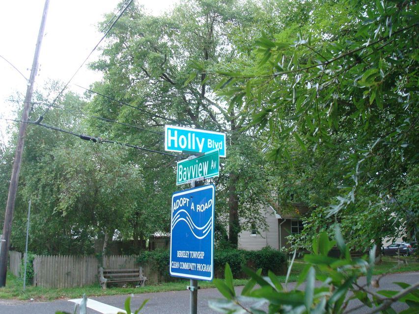 Additional photo for property listing at 623 Holly Boulevard 623 Holly Boulevard Bayville, New Jersey 08721 Stati Uniti