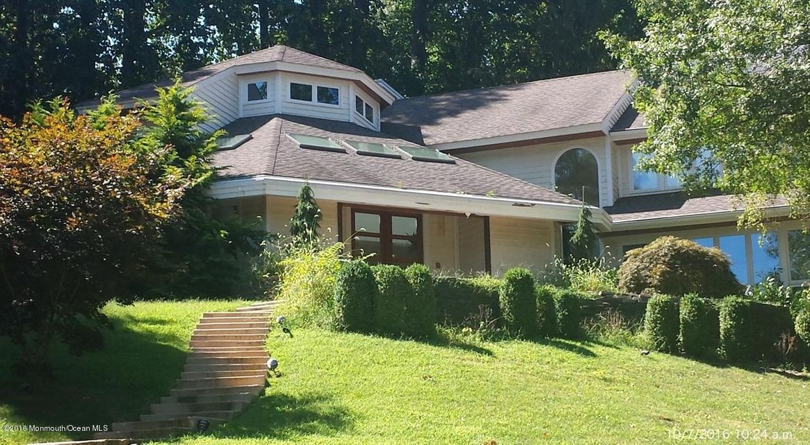 Additional photo for property listing at 4 Tycor Run  Holmdel, New Jersey 07733 United States