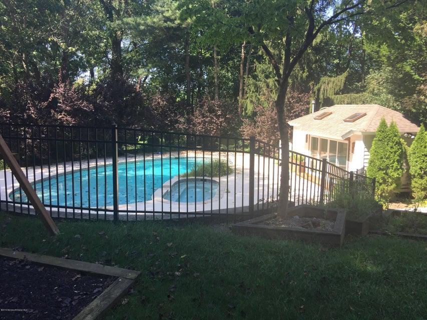 Additional photo for property listing at 4 Tycor Run  Holmdel, Nueva Jersey 07733 Estados Unidos