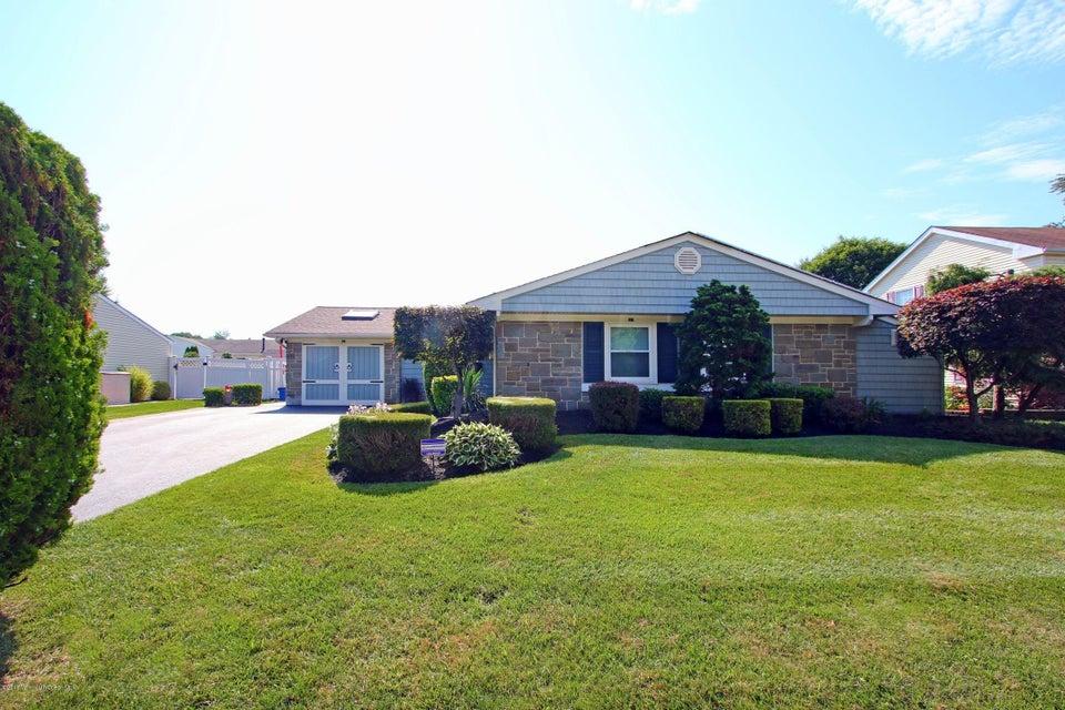 独户住宅 为 销售 在 90 Fordham Drive 亚伯丁, 07747 美国