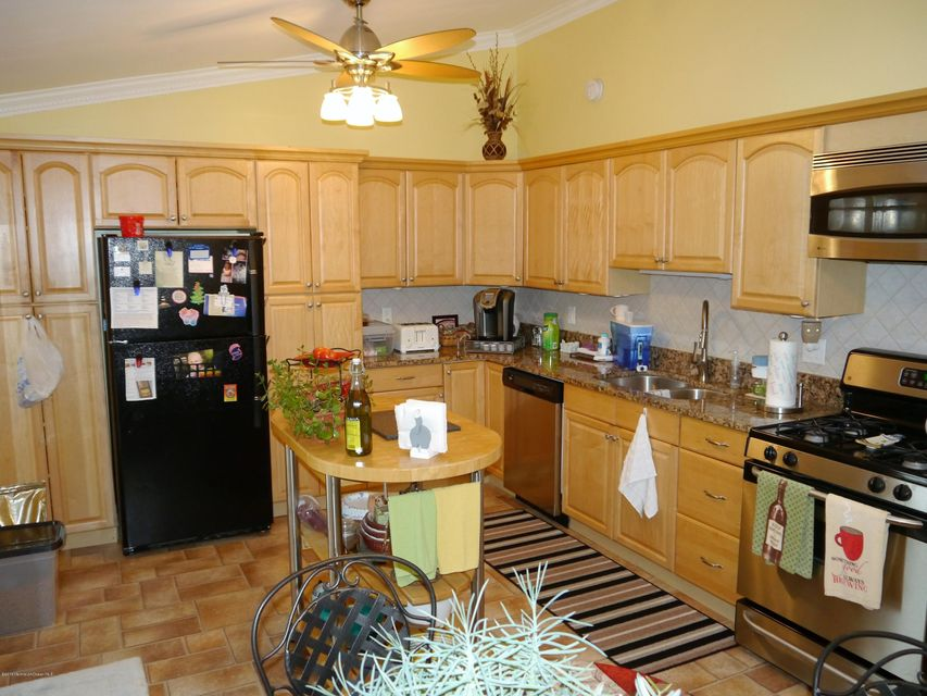 Additional photo for property listing at 237 Wave Road  Manahawkin, 新泽西州 08050 美国