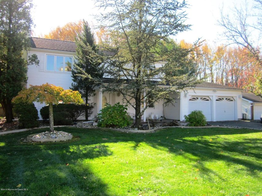 Single Family Home for Sale at 36 Ryan Road Manalapan, New Jersey 07726 United States