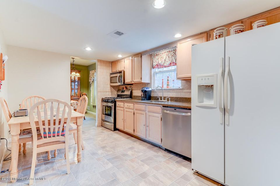 Additional photo for property listing at 212 Atsion Way  Toms River, Nueva Jersey 08753 Estados Unidos
