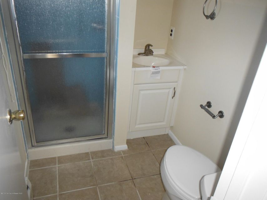 Additional photo for property listing at 5 Basseterri Street  Toms River, New Jersey 08757 États-Unis