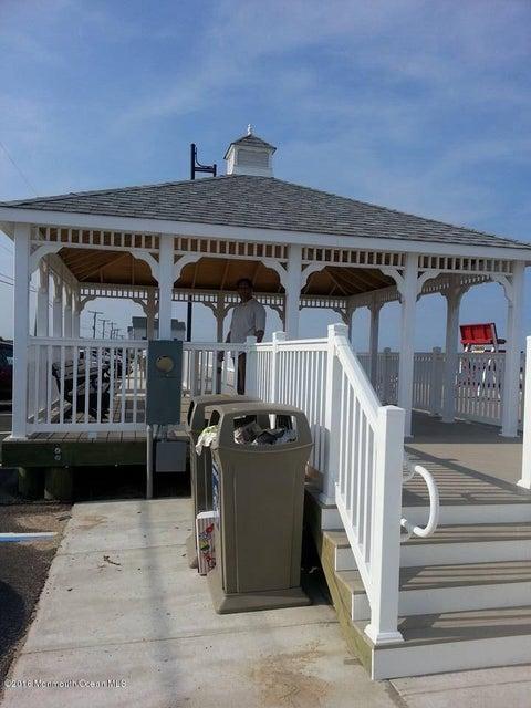 Additional photo for property listing at 7 Chesapeake Court  巴奈加特, 新泽西州 08005 美国