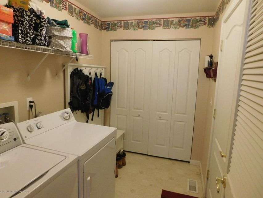 Additional photo for property listing at 3 Tradewinds Avenue  Barnegat, New Jersey 08005 États-Unis
