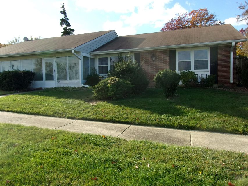 Additional photo for property listing at 573 Sheffield Court  Lakewood, New Jersey 08701 United States