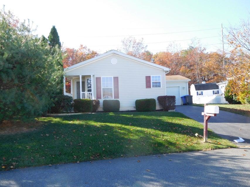 Maison unifamiliale pour l Vente à 20 Spring Lake Road Manahawkin, New Jersey 08050 États-Unis