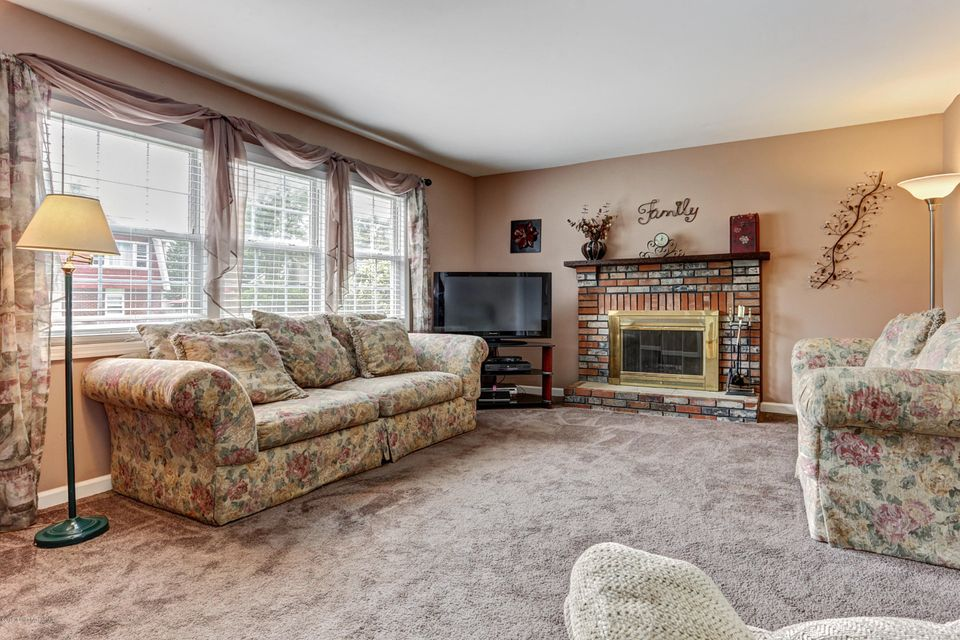 Additional photo for property listing at 416 Neptune Avenue  Beachwood, Nueva Jersey 08722 Estados Unidos