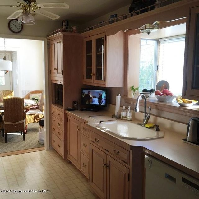 Additional photo for property listing at 114 York Avenue  Spring Lake, New Jersey 07762 États-Unis