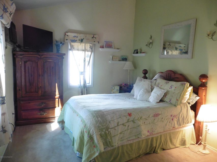 Additional photo for property listing at 109 Canis Drive  Brick, New Jersey 08724 États-Unis