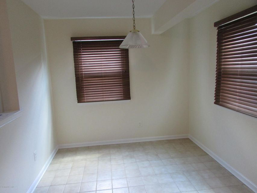 Additional photo for property listing at 15 Lazarus Drive  Freehold, 新泽西州 07728 美国
