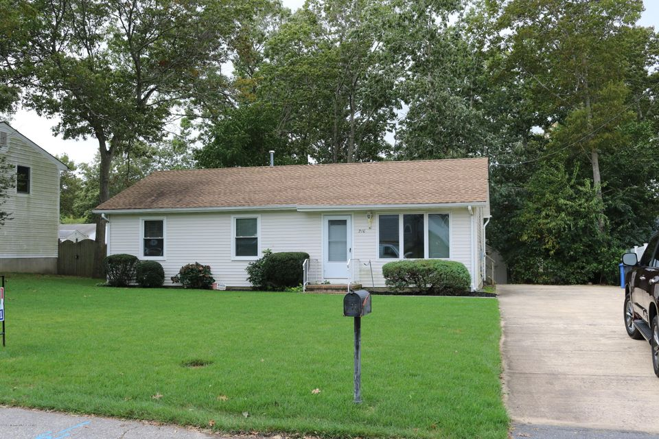 Additional photo for property listing at 216 Steering Lane  Manahawkin, 新泽西州 08050 美国