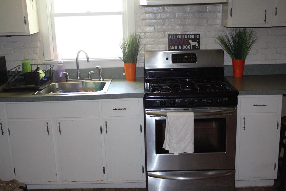 Additional photo for property listing at 211 Lorillard Avenue  Union Beach, New Jersey 07735 États-Unis