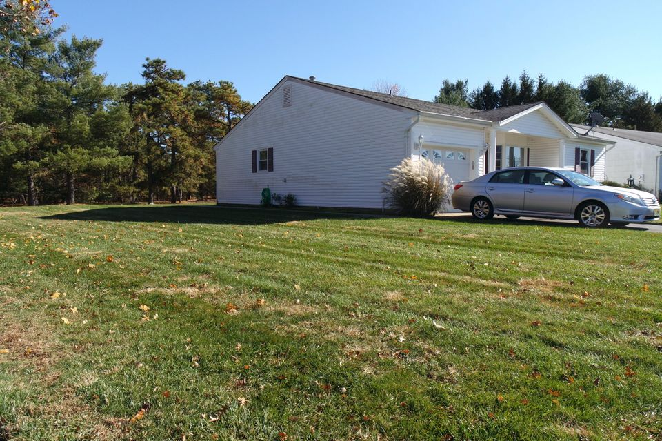 Additional photo for property listing at 32 Basset Drive  Toms River, New Jersey 08757 États-Unis