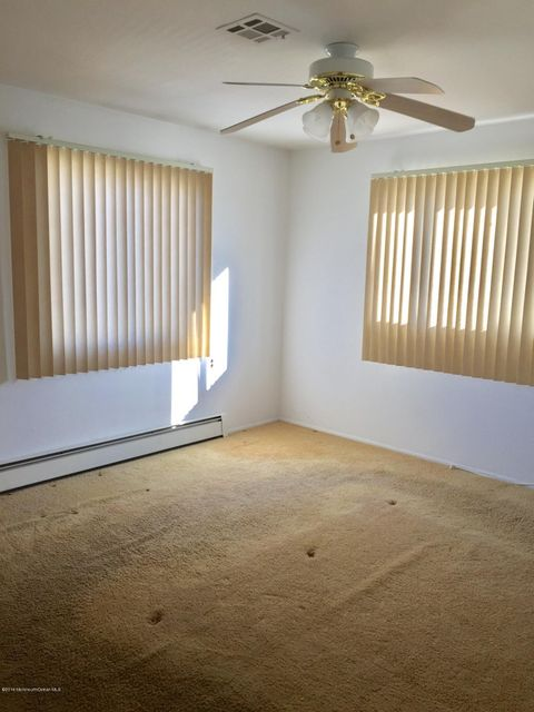 Additional photo for property listing at 29 Le Diamant Street  Toms River, New Jersey 08757 United States