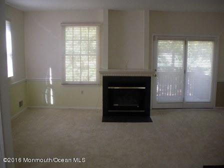 Additional photo for property listing at 71 Agostina Drive  Holmdel, New Jersey 07733 États-Unis
