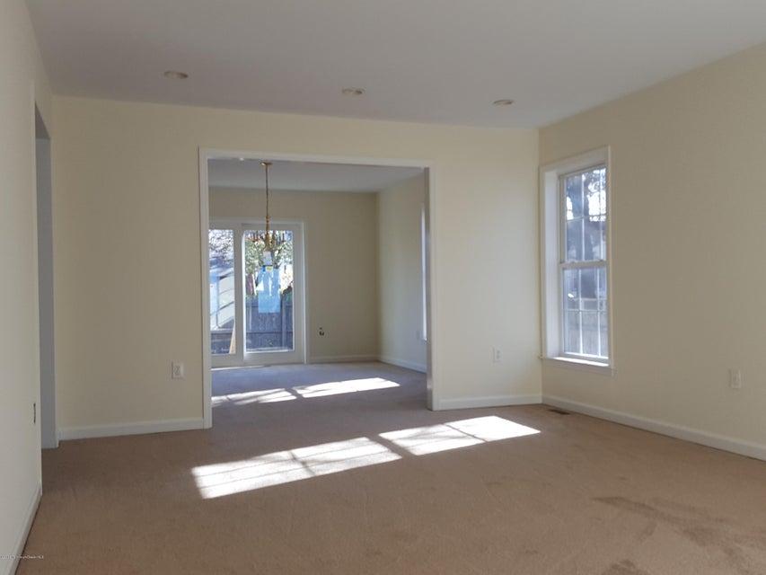 Maison unifamiliale pour l Vente à 516 Myrtle Avenue Neptune, New Jersey 07753 États-Unis