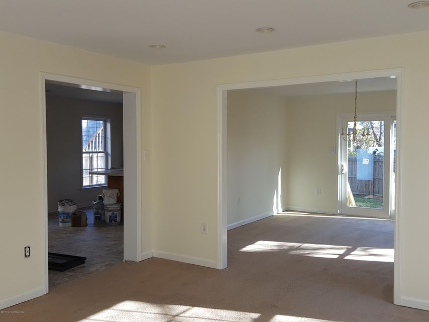 Additional photo for property listing at 516 Myrtle Avenue  Neptune, New Jersey 07753 États-Unis