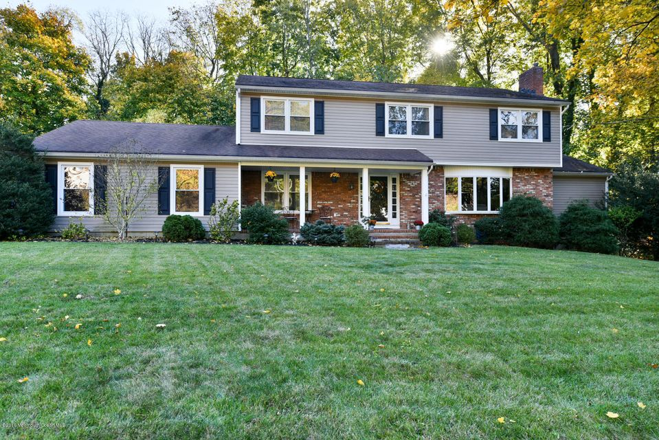 Single Family Home for Sale at 814 Kings Court Middletown, New Jersey 07748 United States