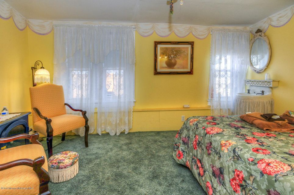 Additional photo for property listing at 5 Abbott Avenue 5 Abbott Avenue Ocean Grove, New Jersey 07756 États-Unis