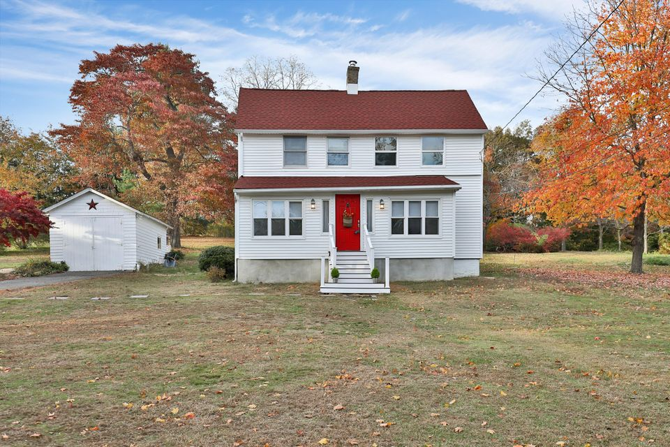 Single Family Home for Sale at 116 Oak Hill Road Middletown, New Jersey 07748 United States