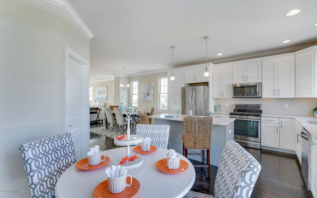 Additional photo for property listing at 24 Jeffrey Drive  Little Egg Harbor, New Jersey 08087 États-Unis