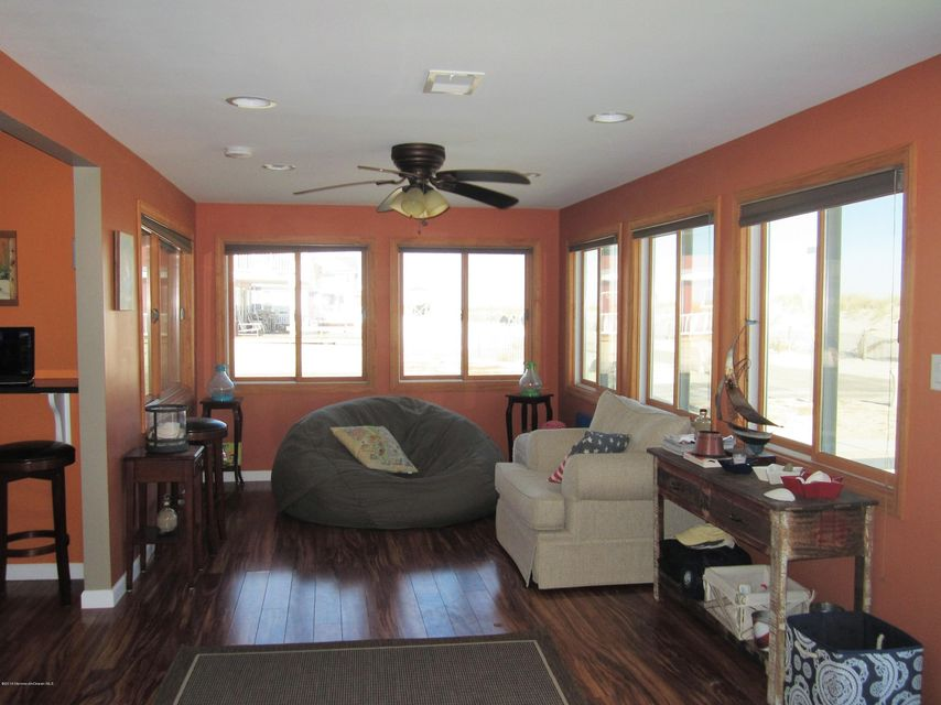 Additional photo for property listing at 1400 Ocean Avenue  Lavallette, Nueva Jersey 08735 Estados Unidos
