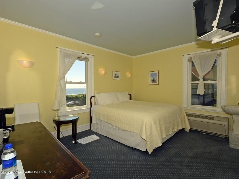 Additional photo for property listing at 1505 Ocean Avenue  Spring Lake, New Jersey 07762 États-Unis